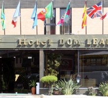 "Hotel ""Dom Leal"" **"